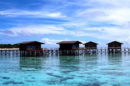 岛上酒店一间海滩,别墅全部是v酒店别墅房间以及水上屋.开发商只有赚钱图片